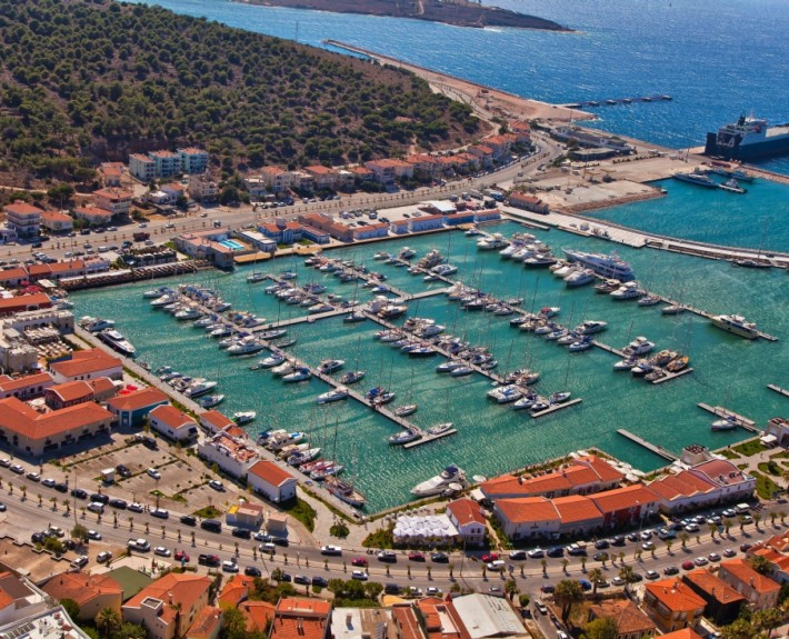 Cesme Marina Turkey satamarakentaminen