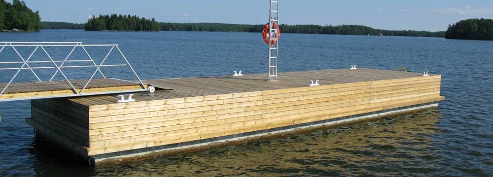 Villa pontoons and equipment sea bear with raised deck